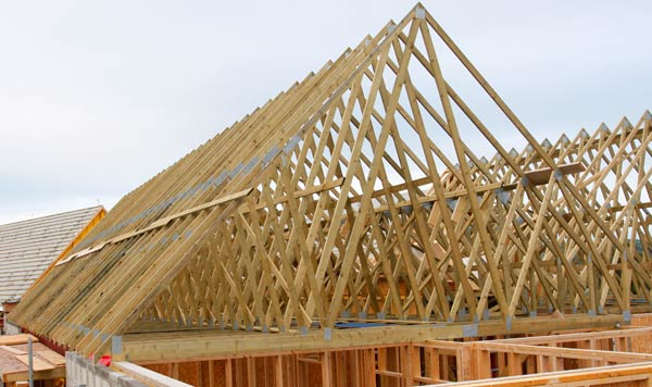 Timber roof trusses trussed rafters northern ireland for Manufactured roof trusses